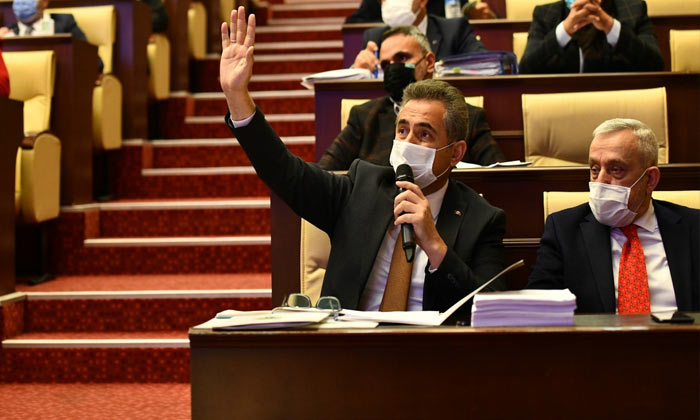 Ankara Büyükşehir meclisinde gerginlik