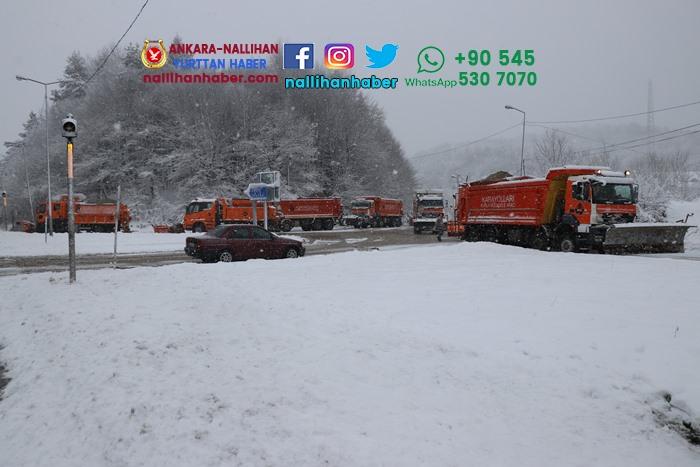 Bolu'da lapa lapa kar yağıyor