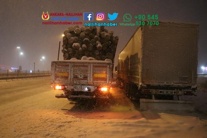 Bolu'da kar ulaşımını aksatıyor! Yola çıkmadan dikkat!